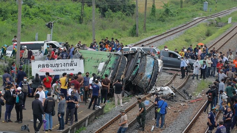 Death toll in bus-train collision rises to 20 in Central Thailand (update) | The Star