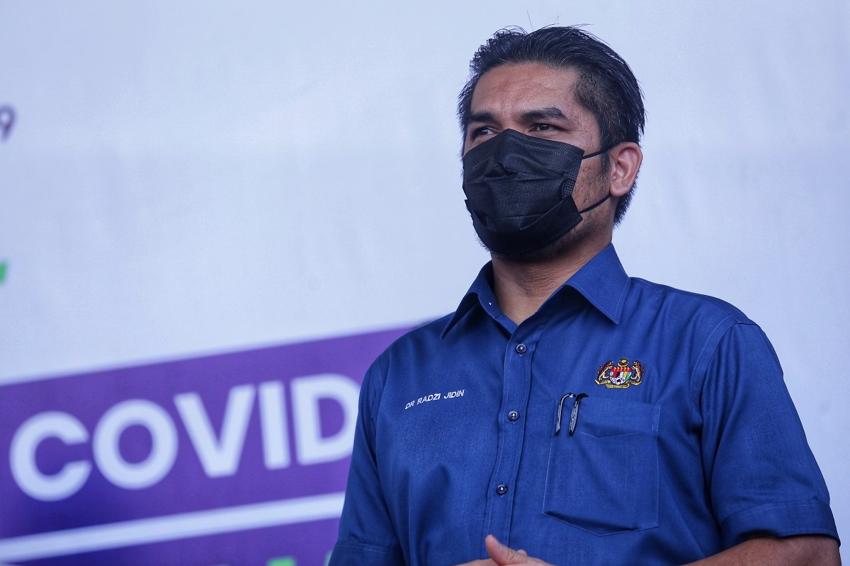 Radzi: As what the Health Minister had advised in the context of the Delta variant, what is important is the ventilation, not only in classrooms, special rooms and offices but all other confined areas in the school should be well ventilated. (File photo by Zahid Izzani Mohd Said/The Edge)
